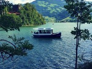 Fähre zur Insel Schwanau im Lauerzersee