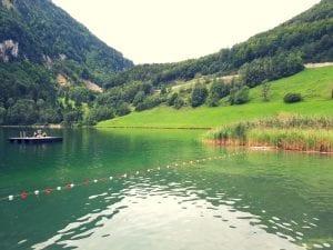Floss und Nichtschwimmerbecken im Seelisbergseeli